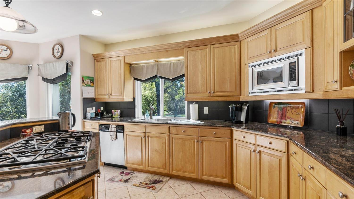 11. Single Family Homes for Active at 6369 Puerto Drive Rancho Murieta, California 95683 United States
