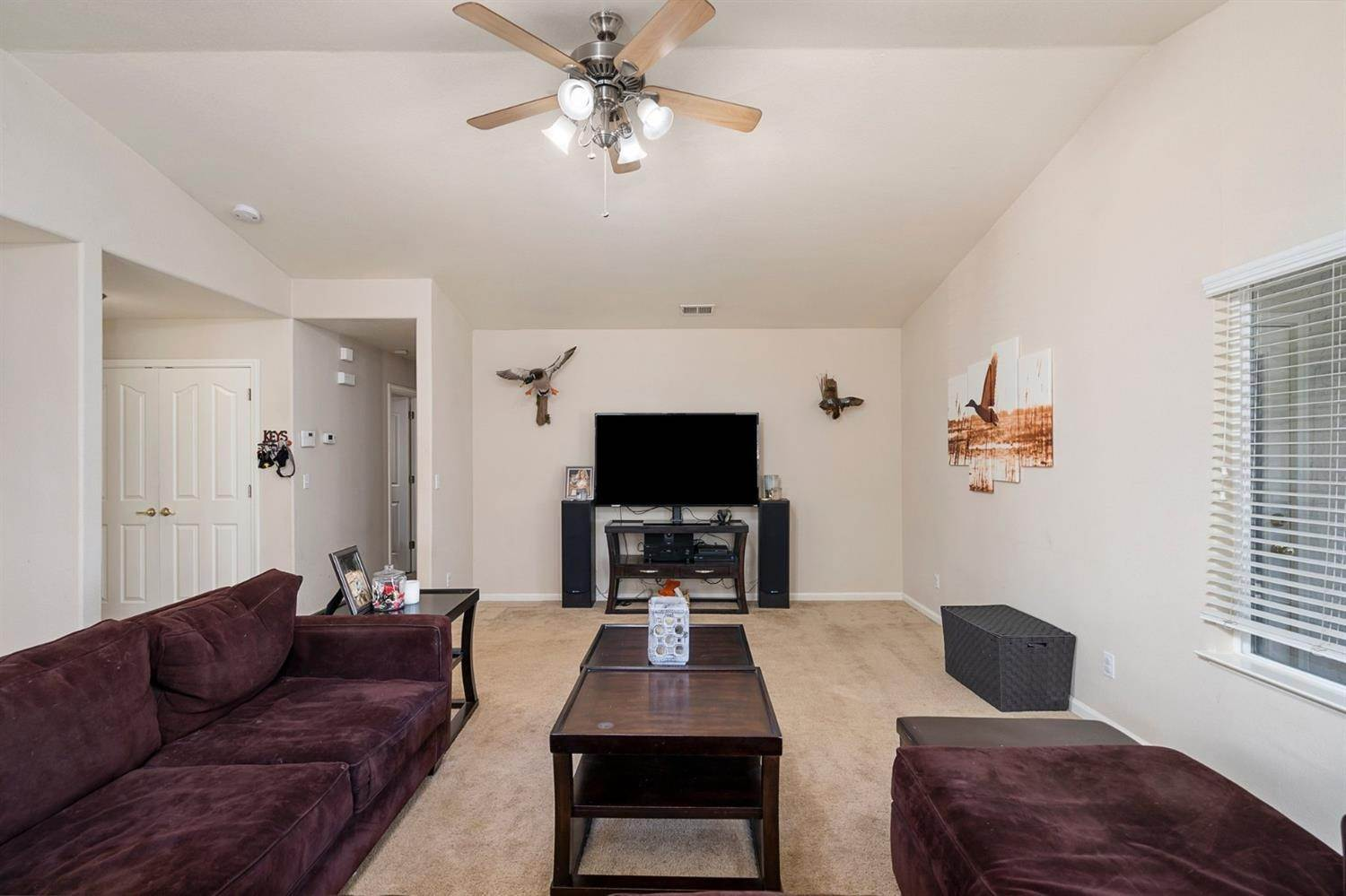 7. Single Family Homes for Active at 6726 Sun Acer Way Rio Linda, California 95673 United States