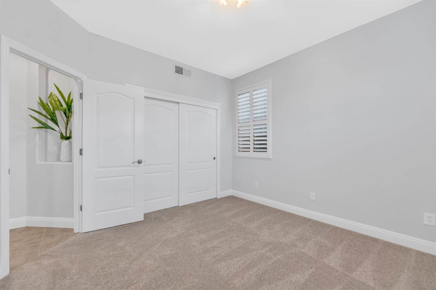 43. Single Family Homes for Active at 6808 SALVATERRA Circle Elk Grove, California 95757 United States