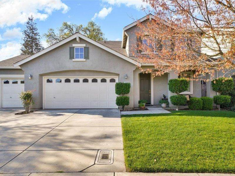 Single Family Homes for Active at 13202 Rivercrest Drive Waterford, California 95386 United States