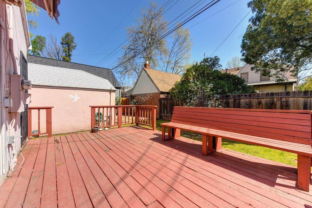 35. Single Family Homes for Active at 2947 24th Street Sacramento, California 95818 United States