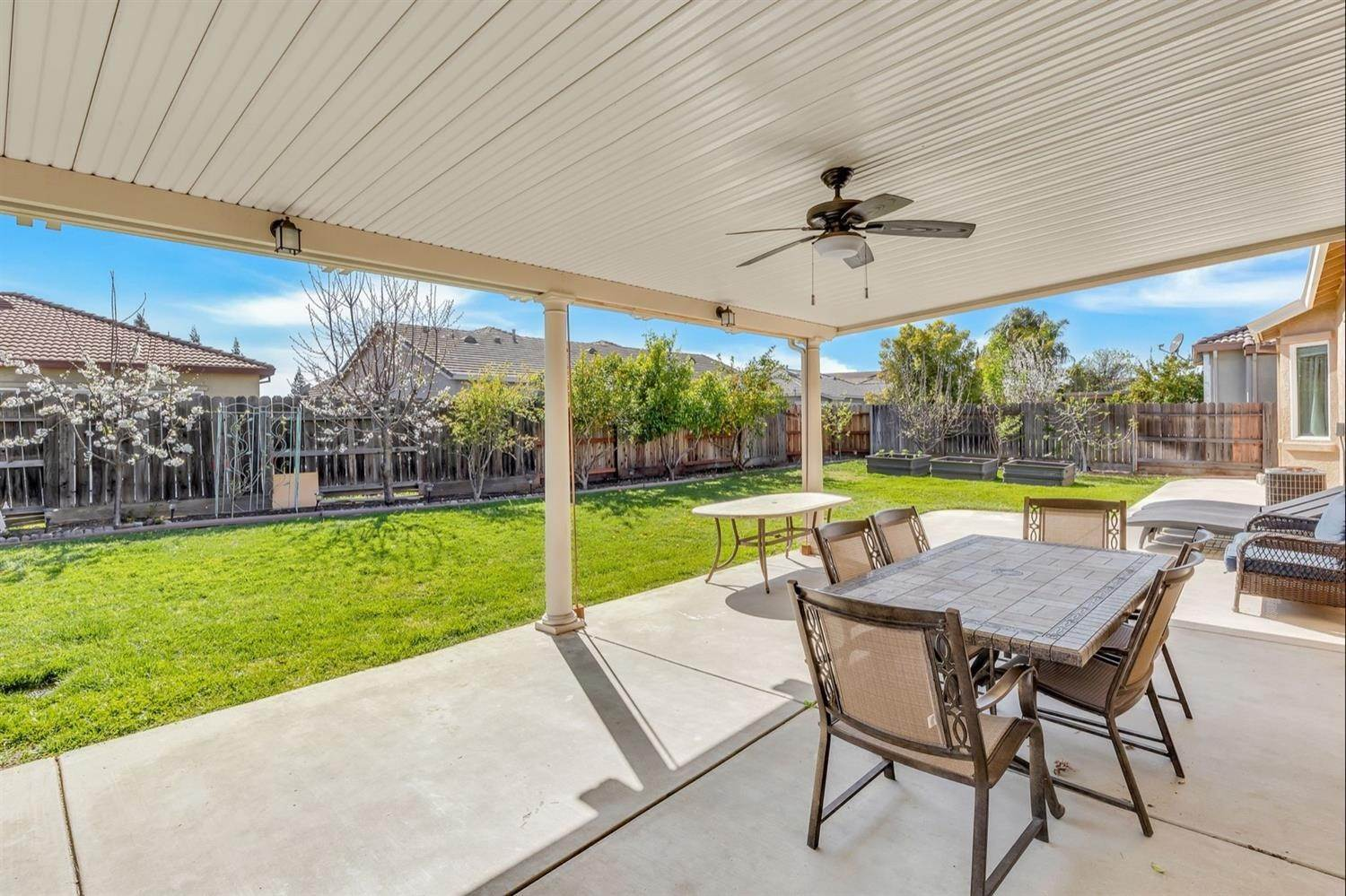 42. Single Family Homes for Active at 11066 Faber Way Rancho Cordova, California 95670 United States
