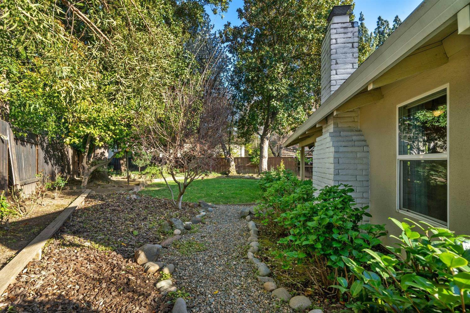 47. Single Family Homes for Active at 11 Sable Court Sacramento, California 95864 United States