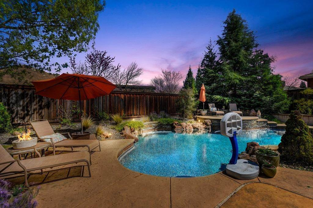 12. Single Family Homes for Active at 9310 Eagle Springs Place Roseville, California 95747 United States