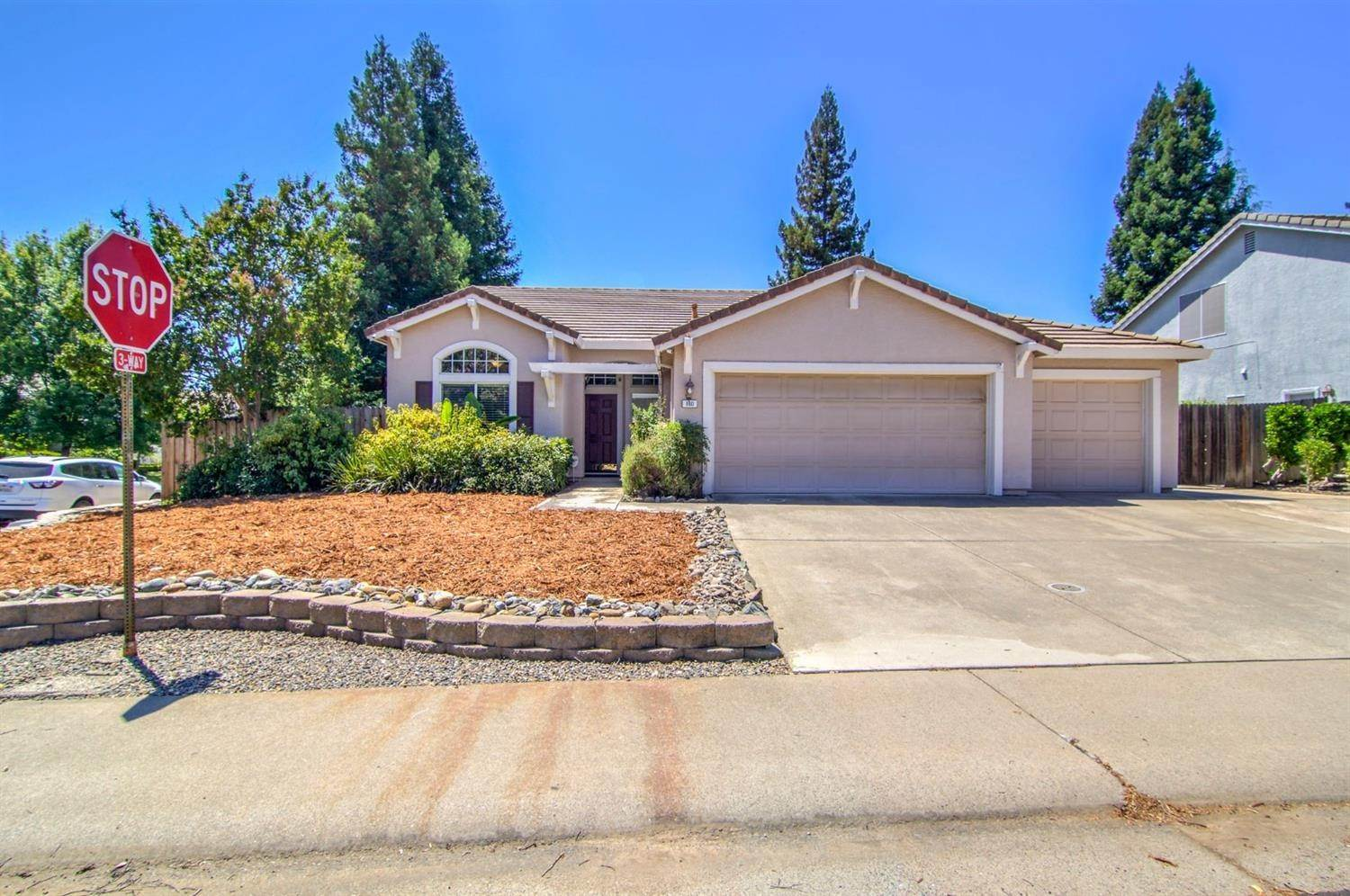 Single Family Homes for Active at 160 Briggs Ranch Drive Folsom, California 95630 United States