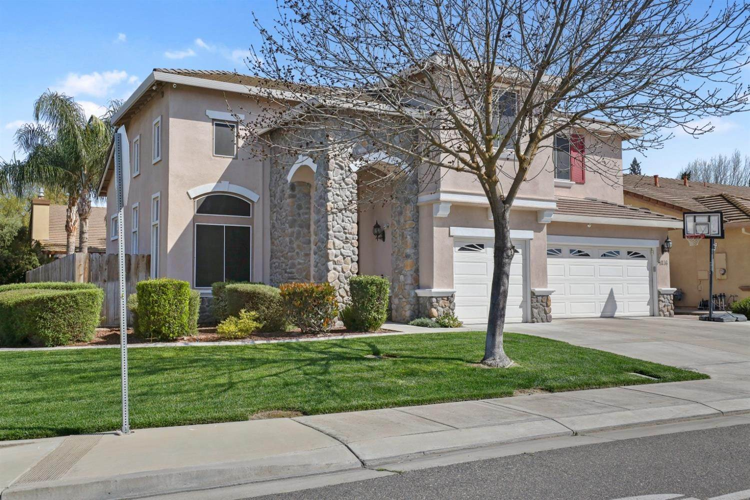 4. Single Family Homes for Active at 4036 Hopkins Lane Modesto, California 95356 United States