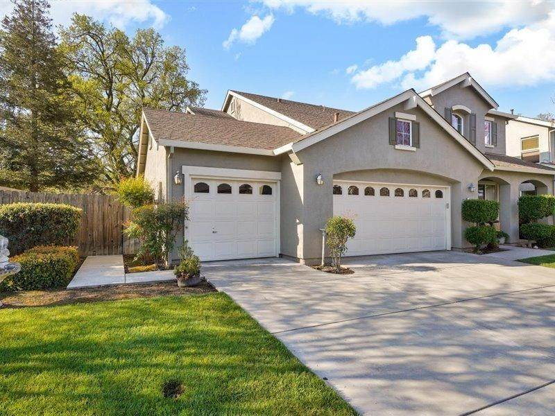 3. Single Family Homes for Active at 13202 Rivercrest Drive Waterford, California 95386 United States