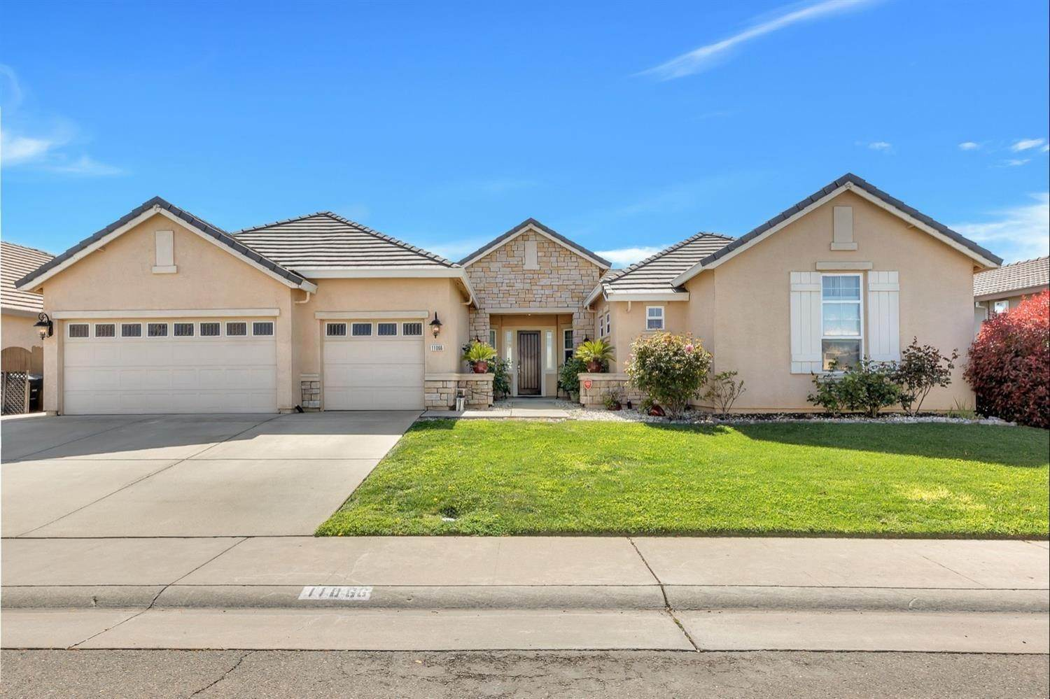 2. Single Family Homes for Active at 11066 Faber Way Rancho Cordova, California 95670 United States