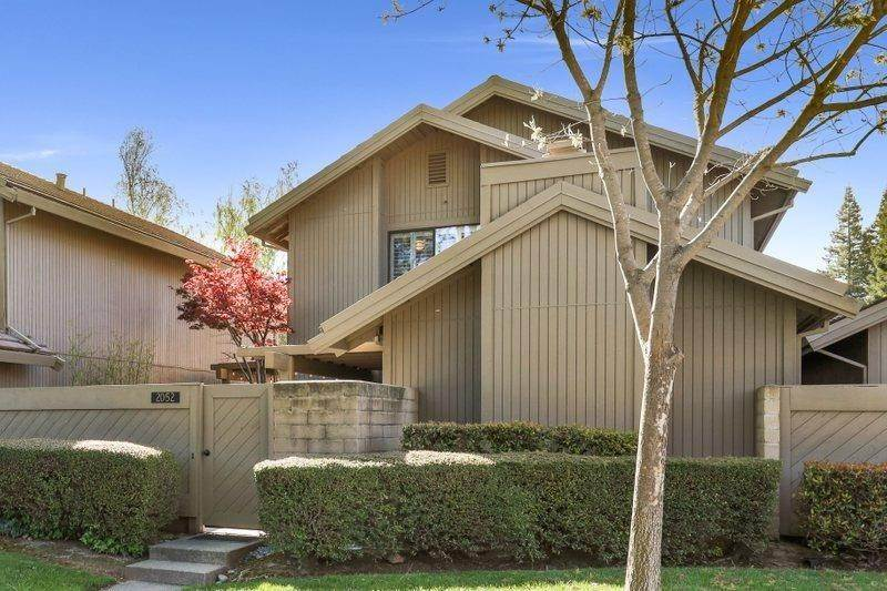 Single Family Homes for Active at 2052 Promontory Point Lane Gold River, California 95670 United States