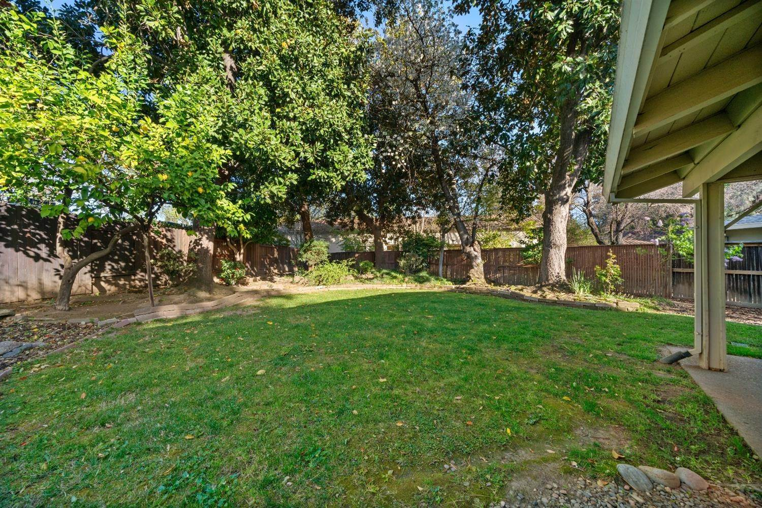 41. Single Family Homes for Active at 11 Sable Court Sacramento, California 95864 United States