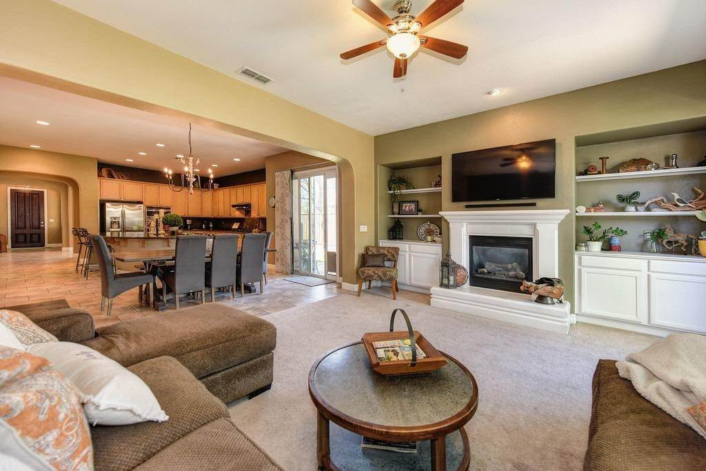 40. Single Family Homes for Active at 9310 Eagle Springs Place Roseville, California 95747 United States