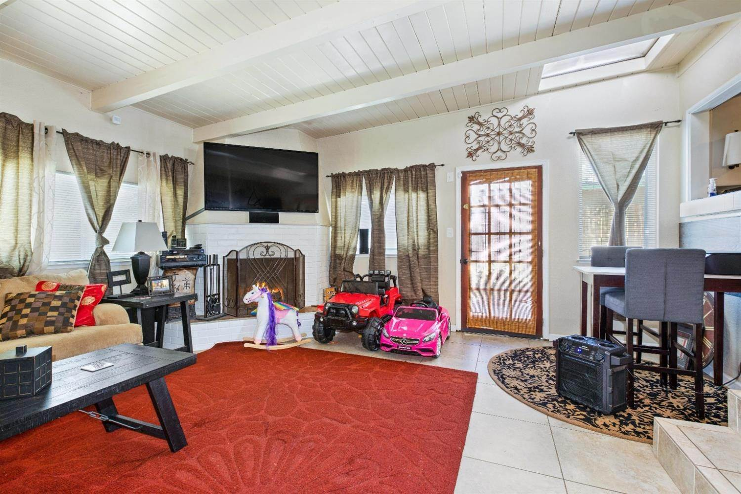 23. Single Family Homes for Active at 131 S Fremont Street Manteca, California 95336 United States