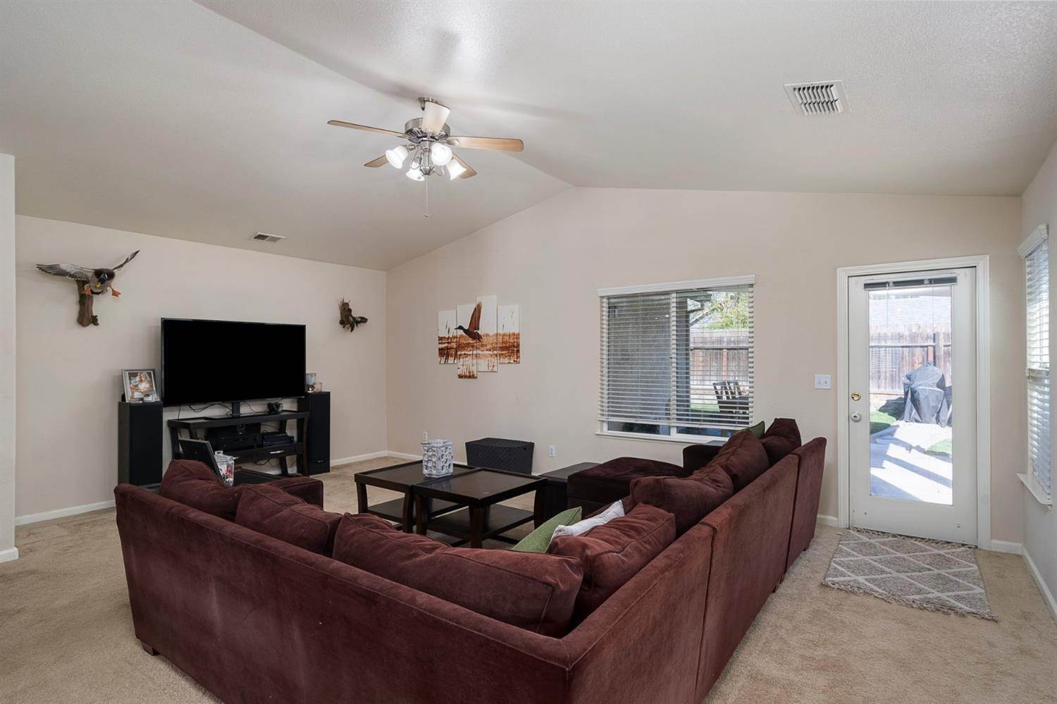 6. Single Family Homes for Active at 6726 Sun Acer Way Rio Linda, California 95673 United States