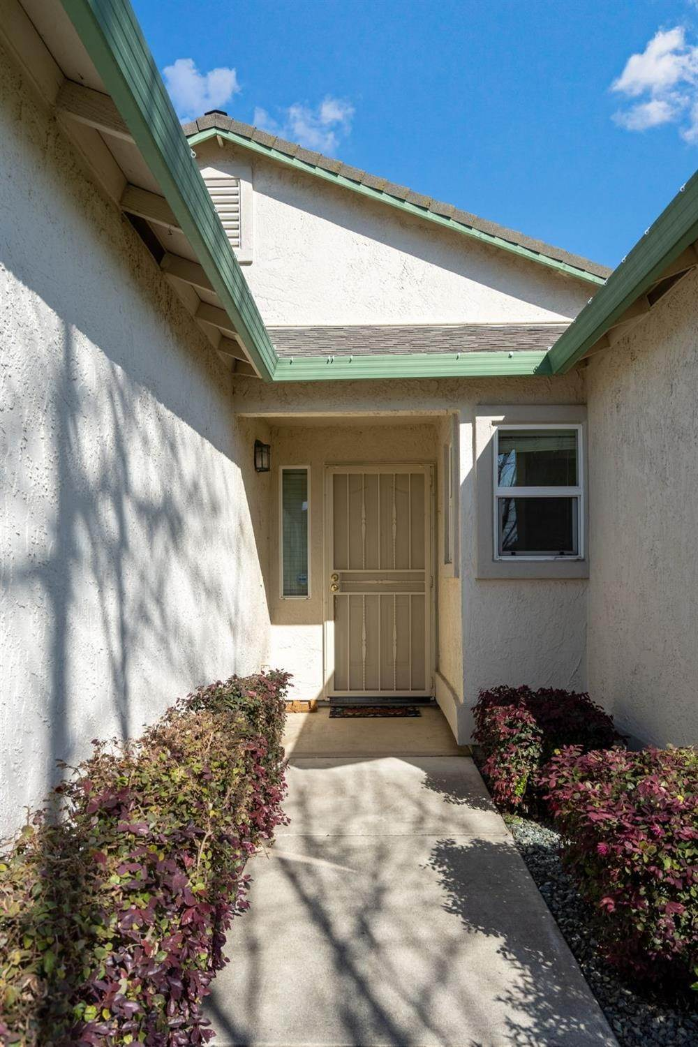 3. Single Family Homes for Active at 6726 Sun Acer Way Rio Linda, California 95673 United States