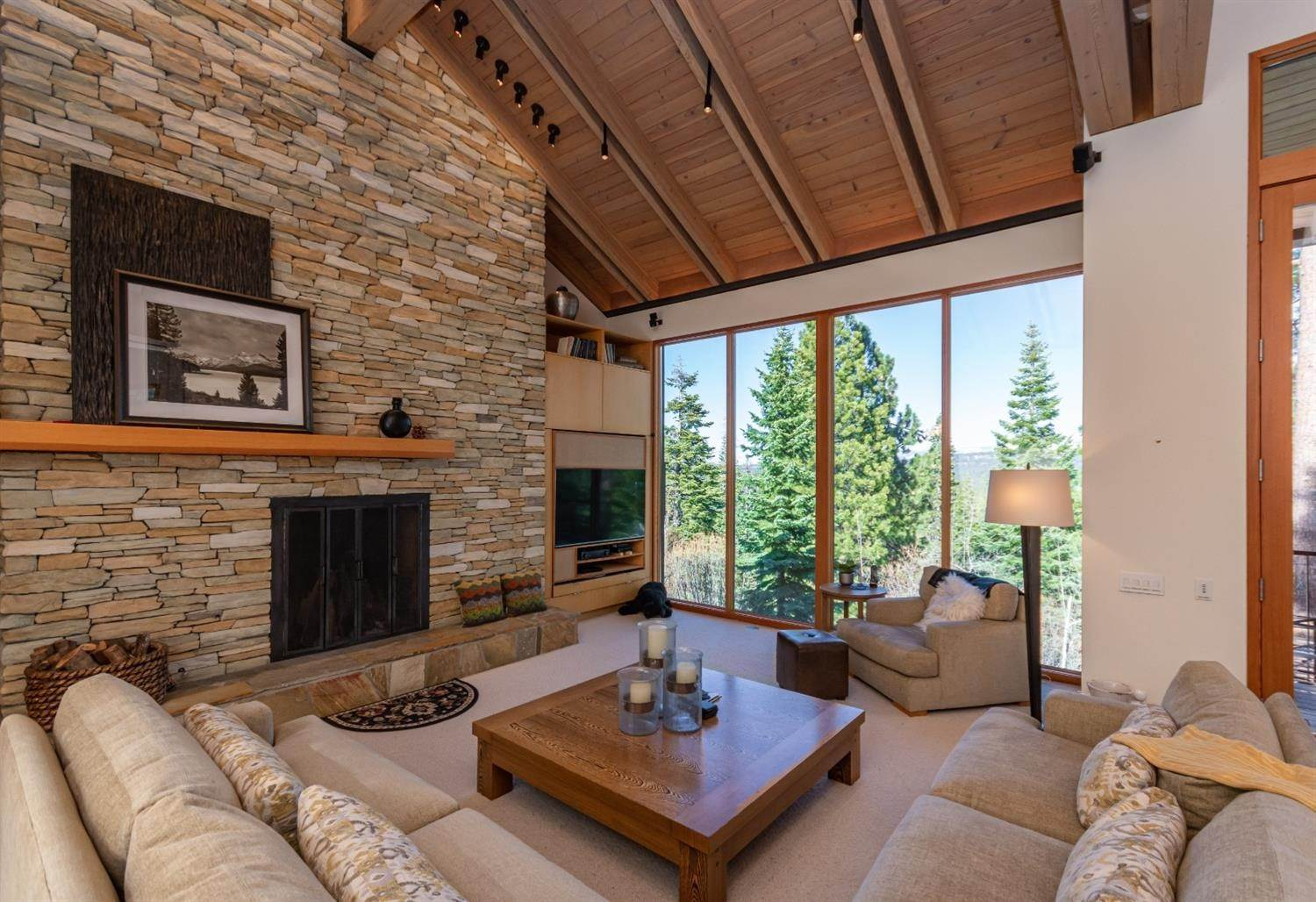 10. Single Family Homes for Active at 1721 Grouse Ridge Truckee, California 96161 United States
