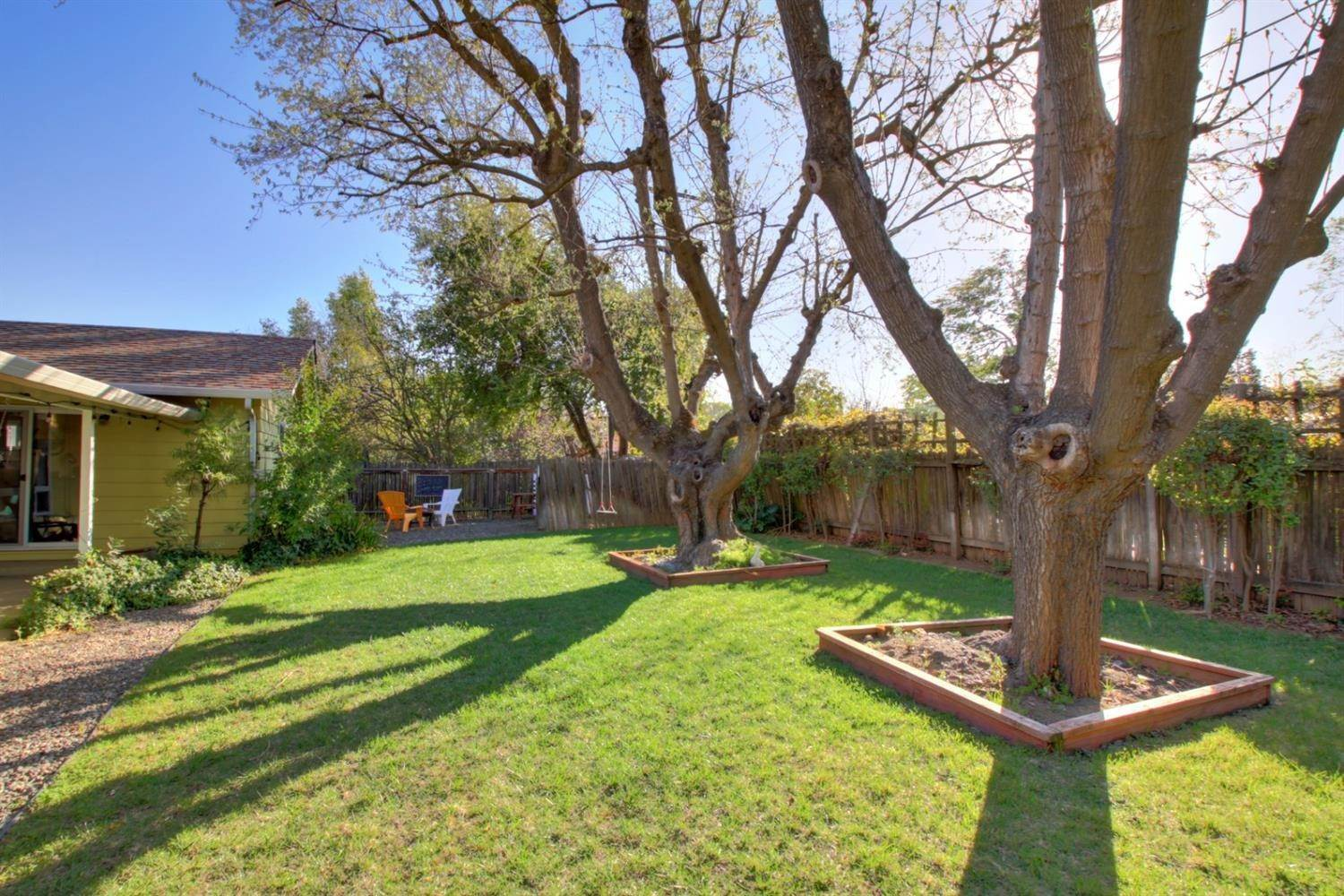 25. Single Family Homes for Active at 1201 Oak Avenue Davis, California 95616 United States