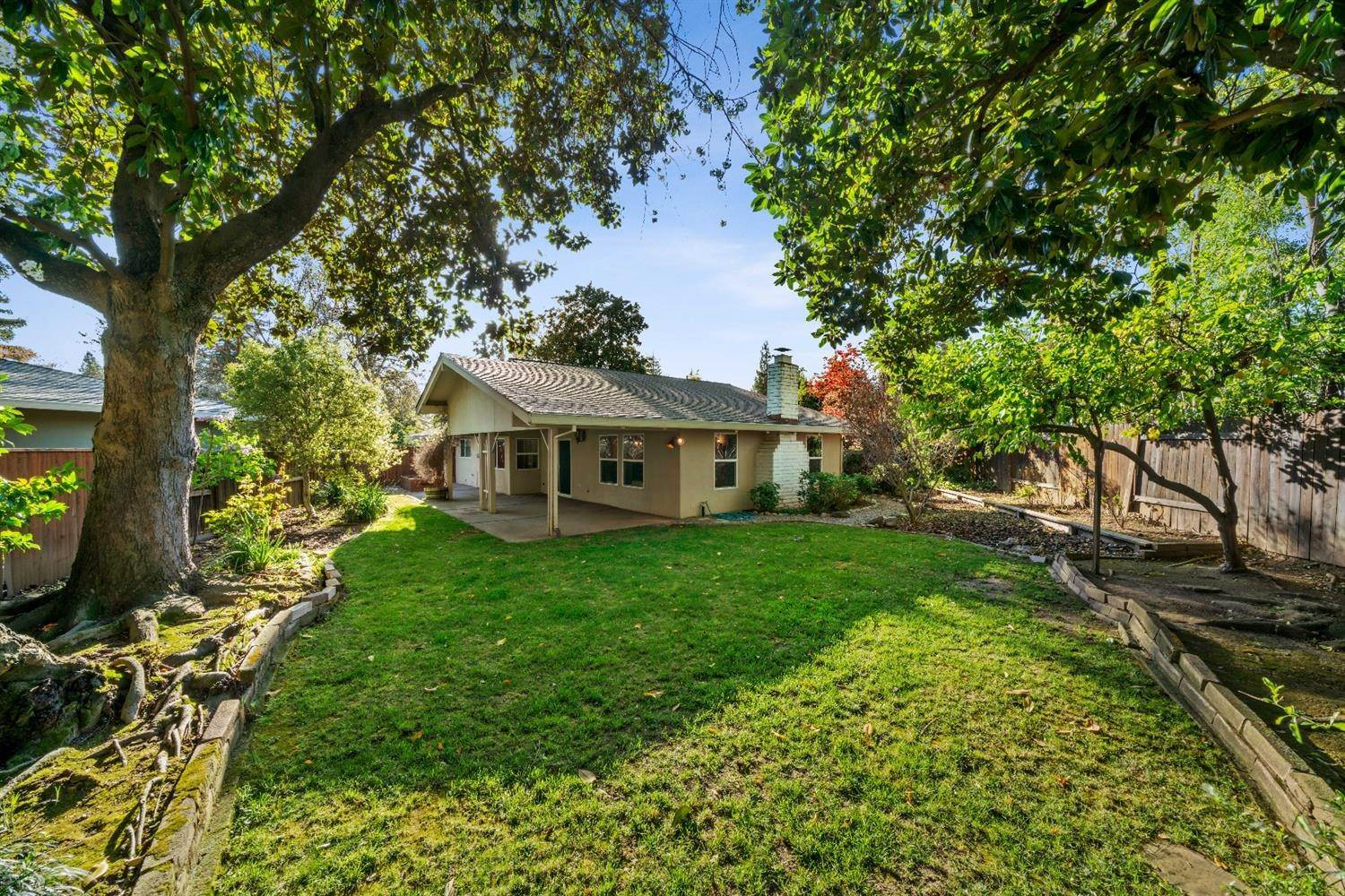 42. Single Family Homes for Active at 11 Sable Court Sacramento, California 95864 United States