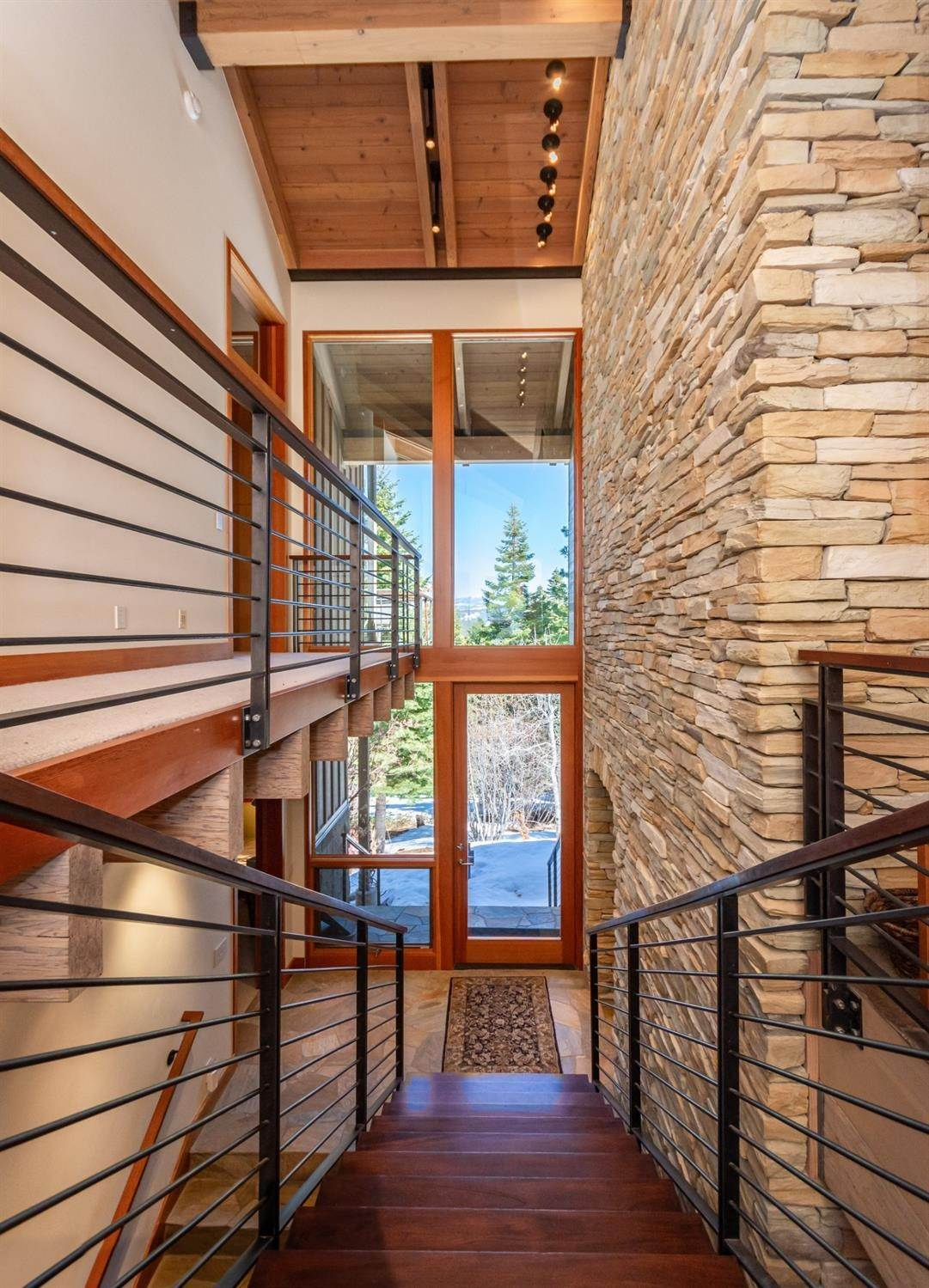 7. Single Family Homes for Active at 1721 Grouse Ridge Truckee, California 96161 United States