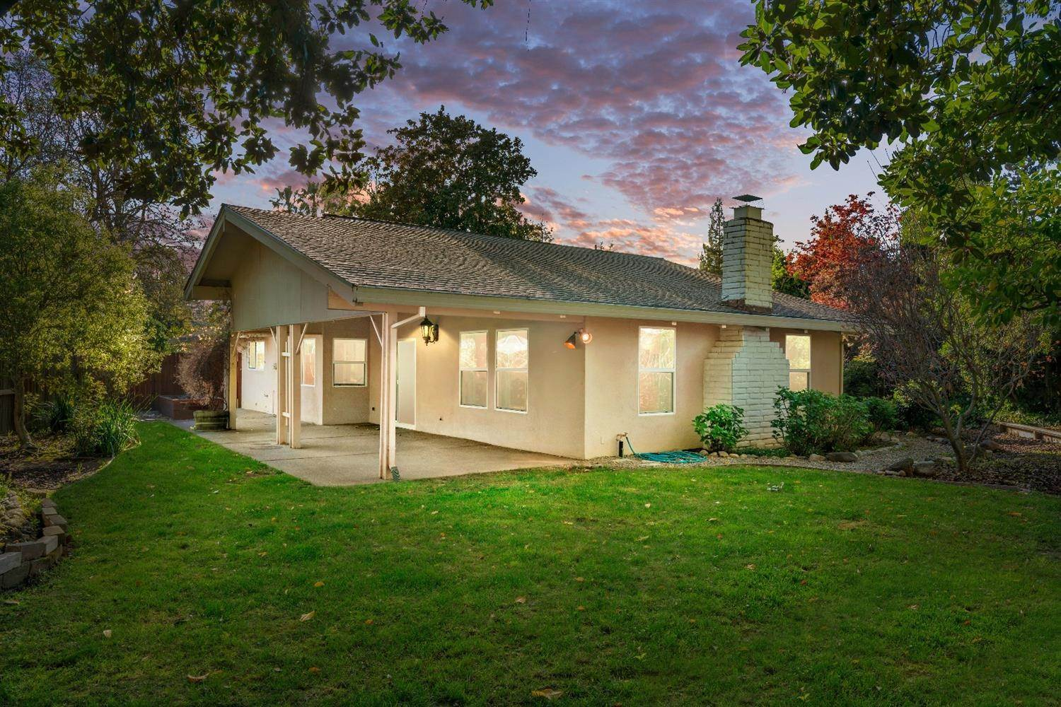 43. Single Family Homes for Active at 11 Sable Court Sacramento, California 95864 United States