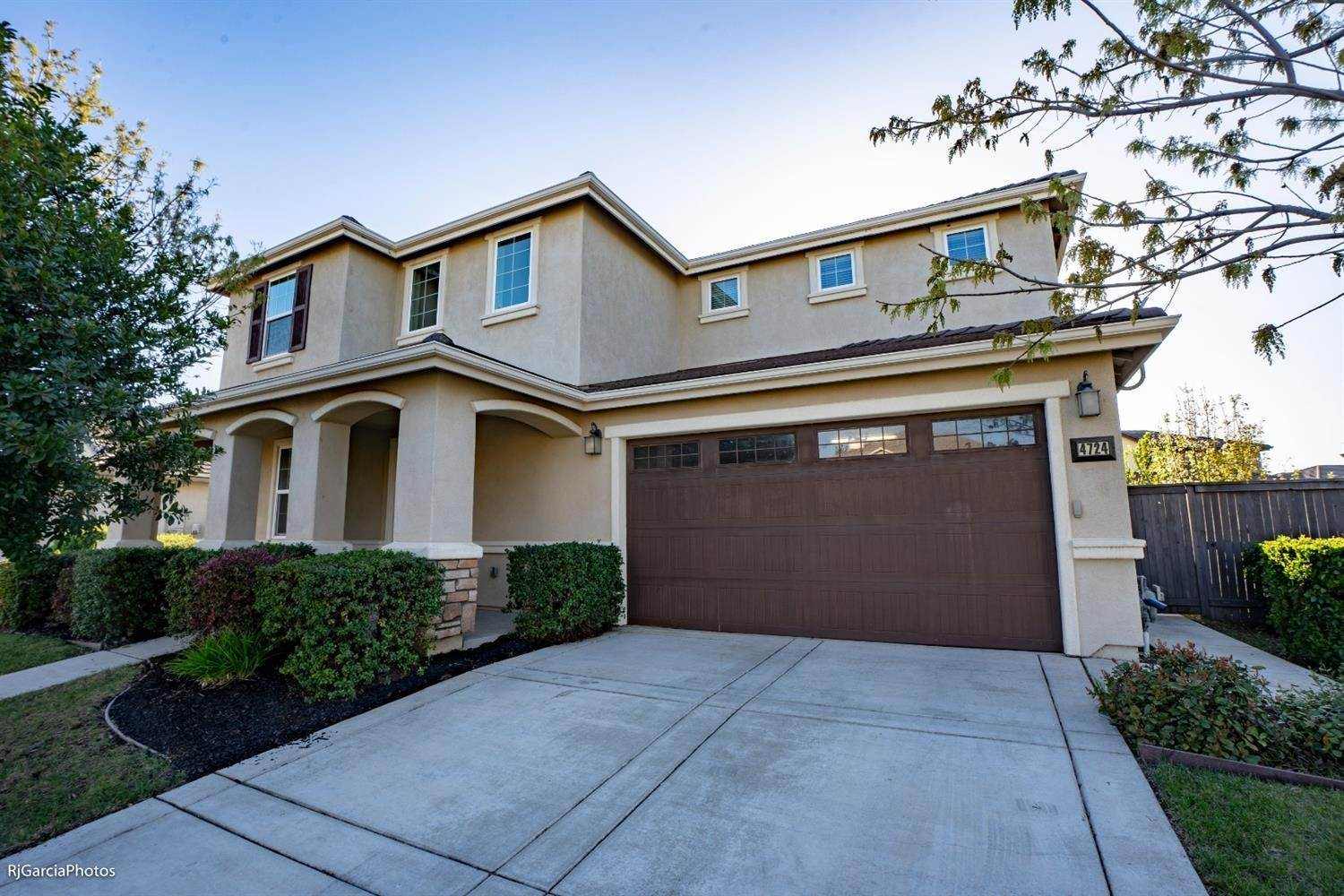 Single Family Homes for Active at 4724 Village Mill Way Rancho Cordova, California 95742 United States