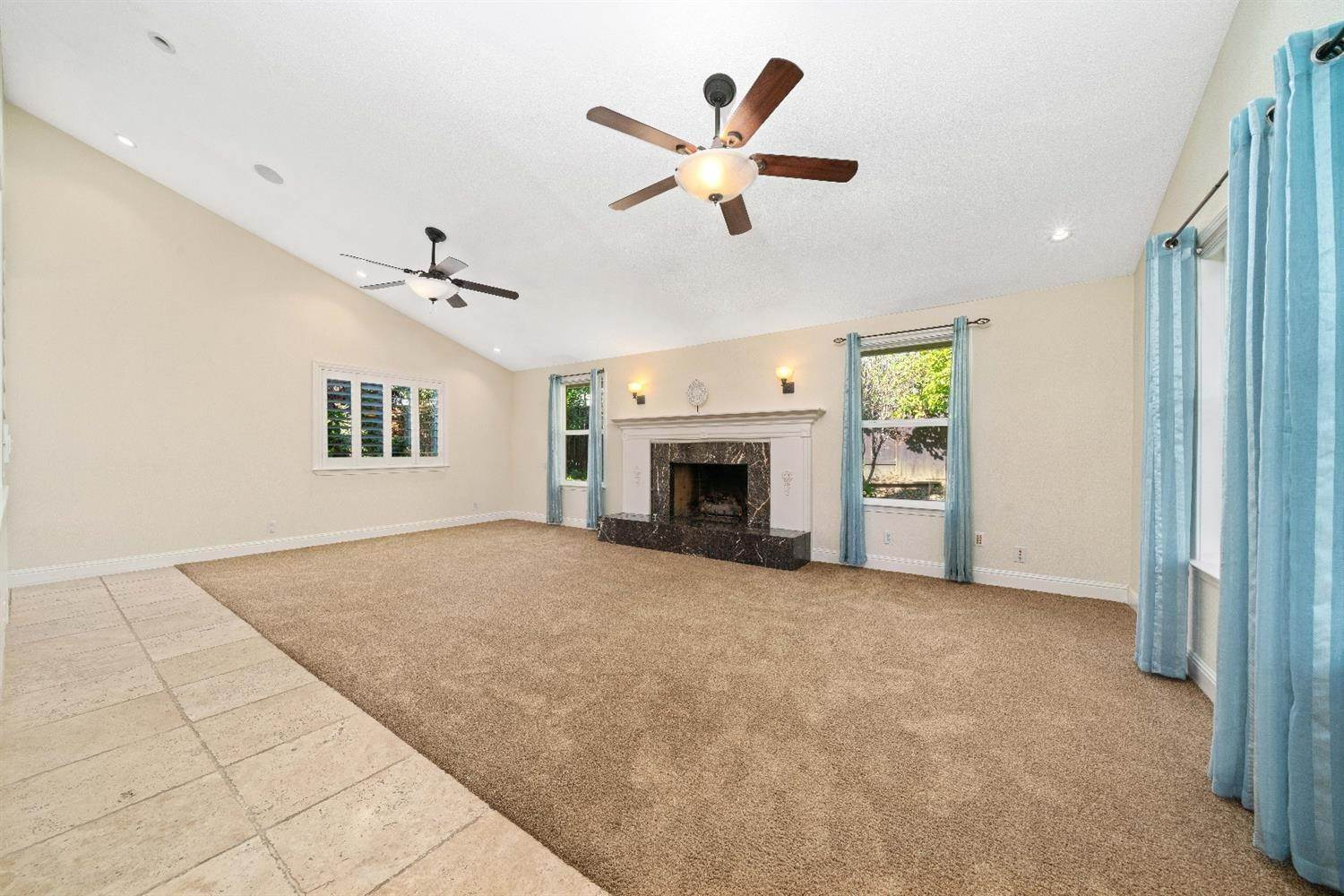 22. Single Family Homes for Active at 11 Sable Court Sacramento, California 95864 United States