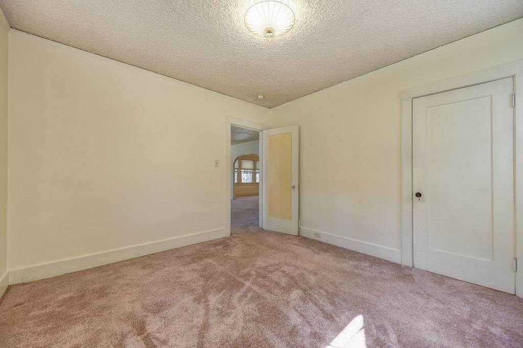 15. Single Family Homes for Active at 2947 24th Street Sacramento, California 95818 United States