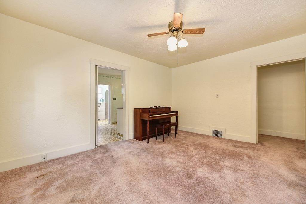 17. Single Family Homes for Active at 2947 24th Street Sacramento, California 95818 United States