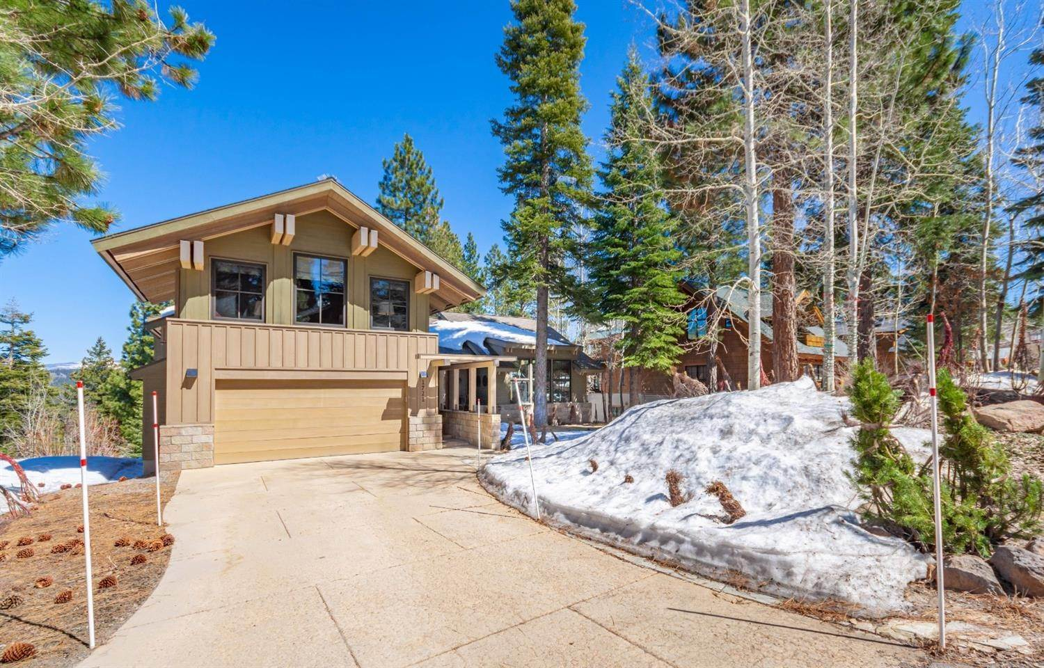 4. Single Family Homes for Active at 1721 Grouse Ridge Truckee, California 96161 United States