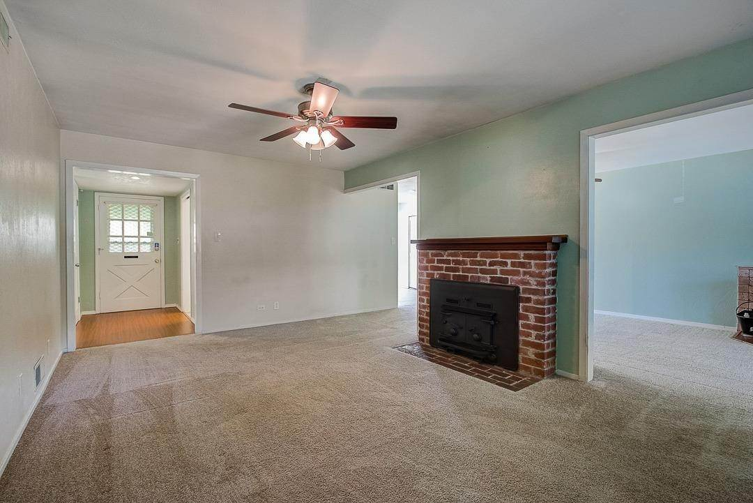 17. Single Family Homes for Active at 2639 Garrett Way Rancho Cordova, California 95670 United States