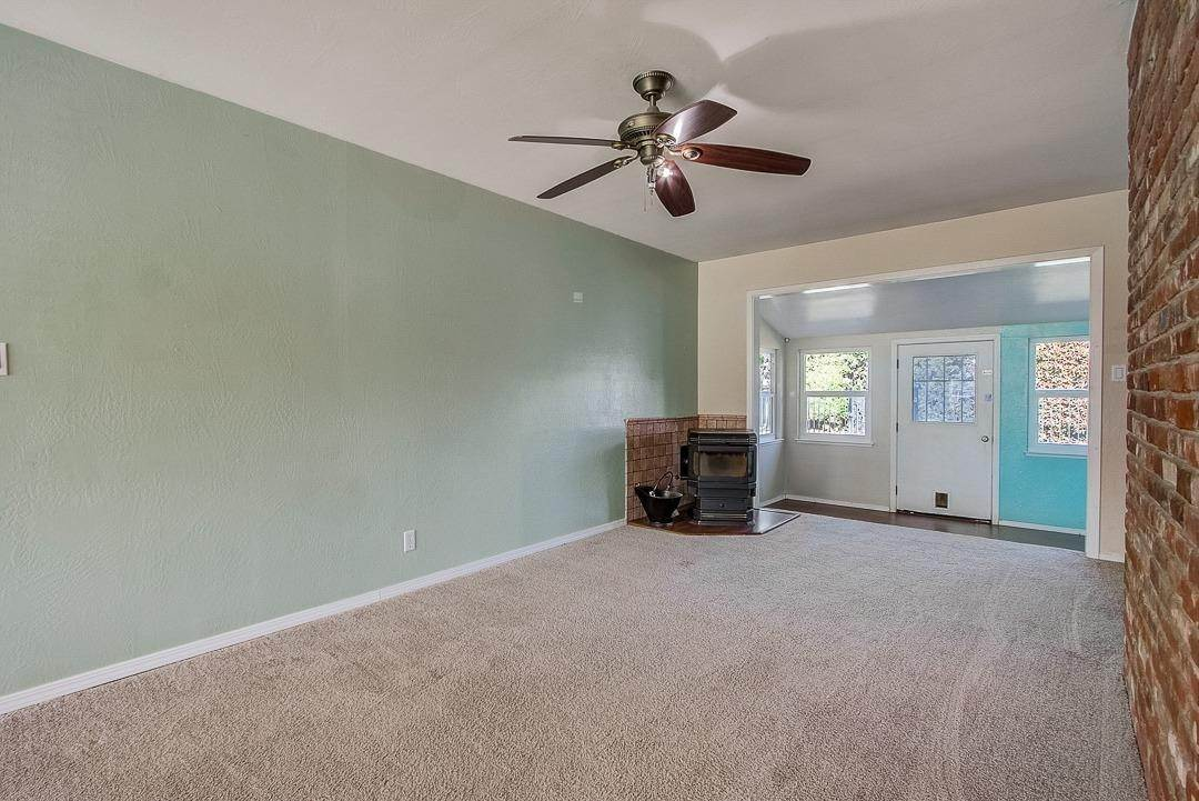 14. Single Family Homes for Active at 2639 Garrett Way Rancho Cordova, California 95670 United States