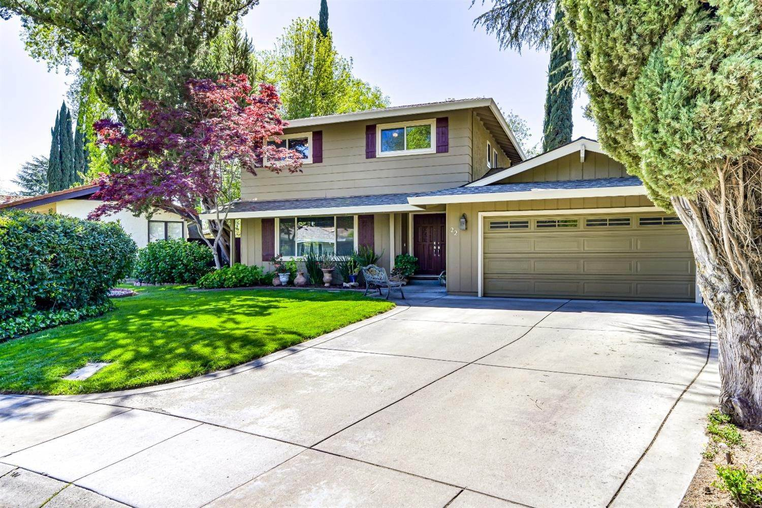 3. Single Family Homes for Active at 22 Spray Court Sacramento, California 95831 United States