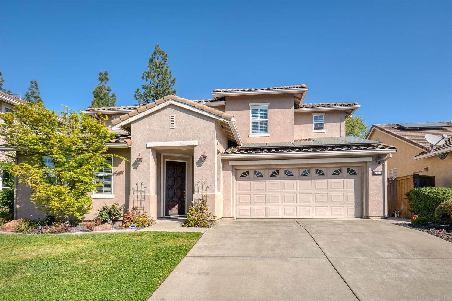Single Family Homes for Active at 7539 Colbert Drive Rancho Murieta, California 95683 United States