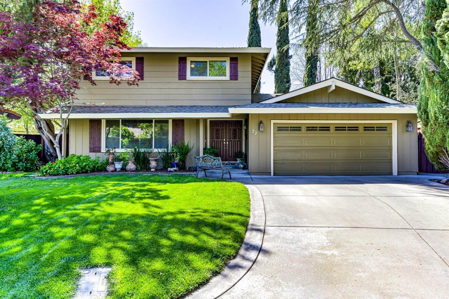 2. Single Family Homes for Active at 22 Spray Court Sacramento, California 95831 United States