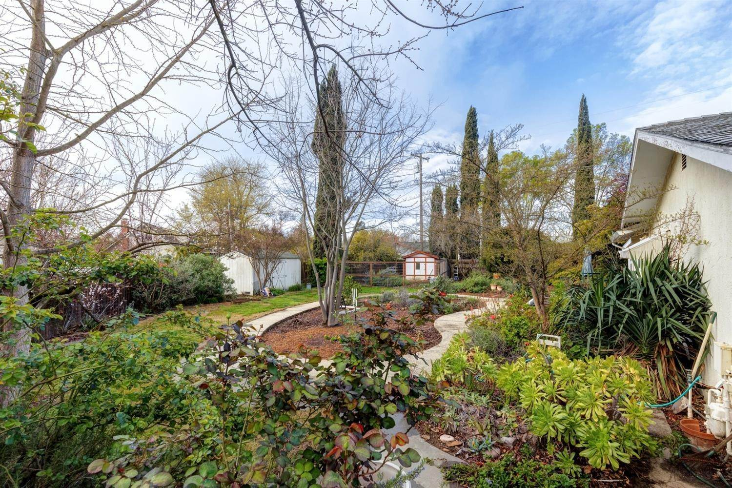 28. Single Family Homes for Active at 1411 Banyan Place Davis, California 95618 United States