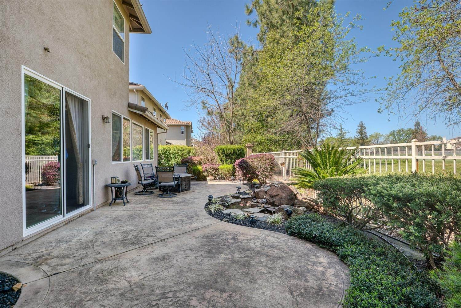35. Single Family Homes for Active at 7539 Colbert Drive Rancho Murieta, California 95683 United States