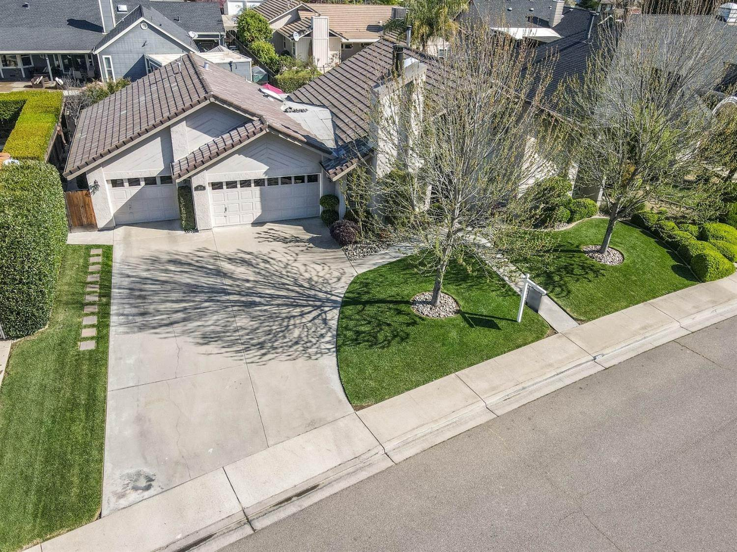 8. Single Family Homes for Active at 2025 Sconyers Court Turlock, California 95382 United States