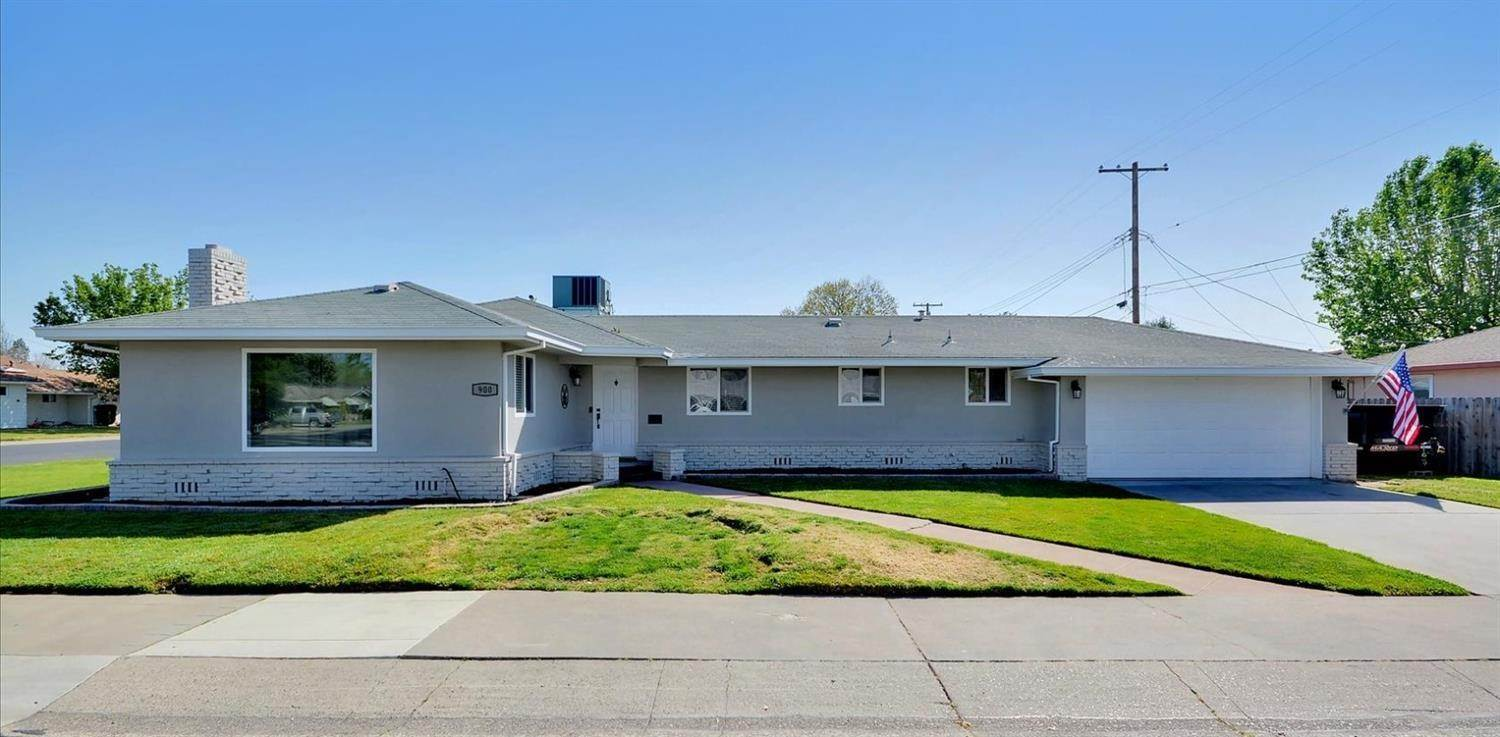 Single Family Homes for Active at 900 S Crescent Avenue Lodi, California 95240 United States