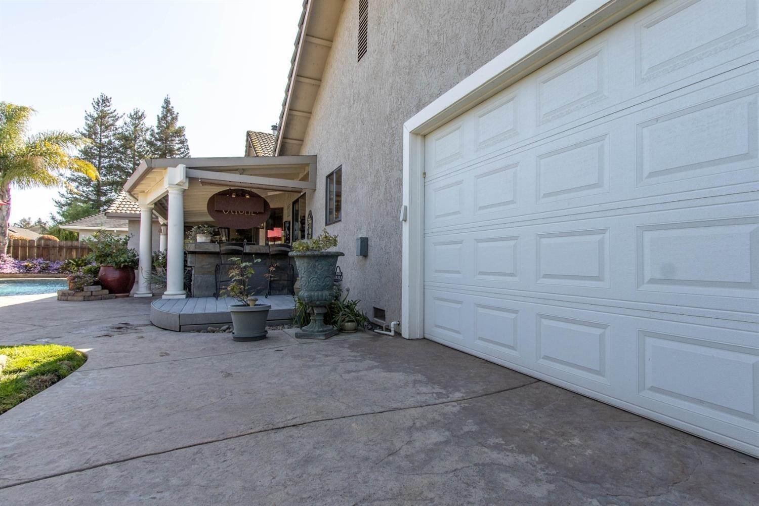 44. Single Family Homes for Active at 2025 Sconyers Court Turlock, California 95382 United States