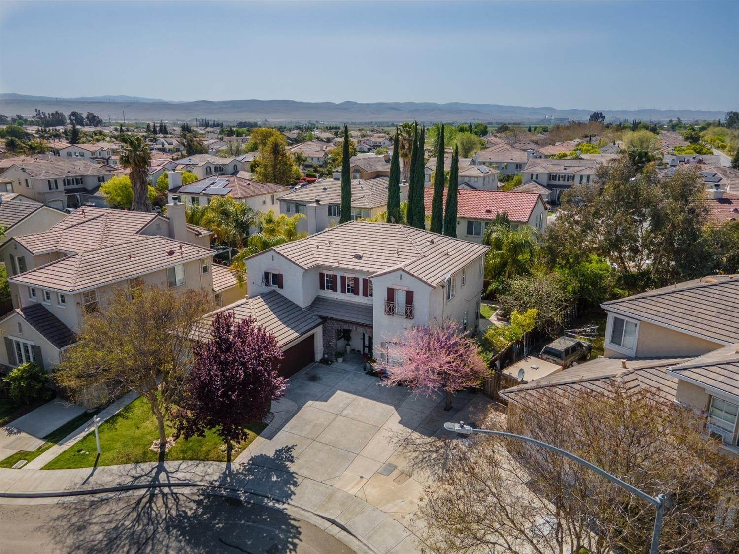 37. Single Family Homes for Active at 1847 Mimosa Court Tracy, California 95376 United States