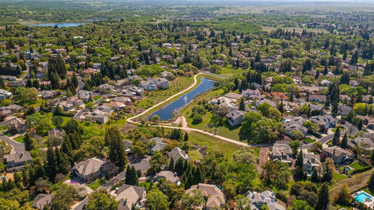 39. Single Family Homes for Active at 6369 Puerto Drive Rancho Murieta, California 95683 United States