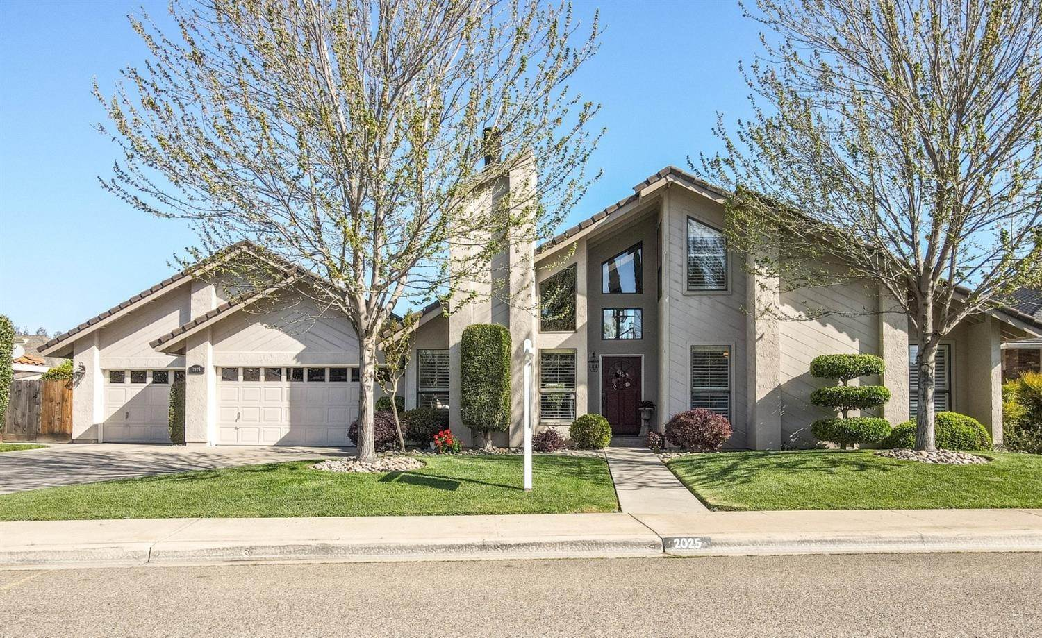 Single Family Homes for Active at 2025 Sconyers Court Turlock, California 95382 United States
