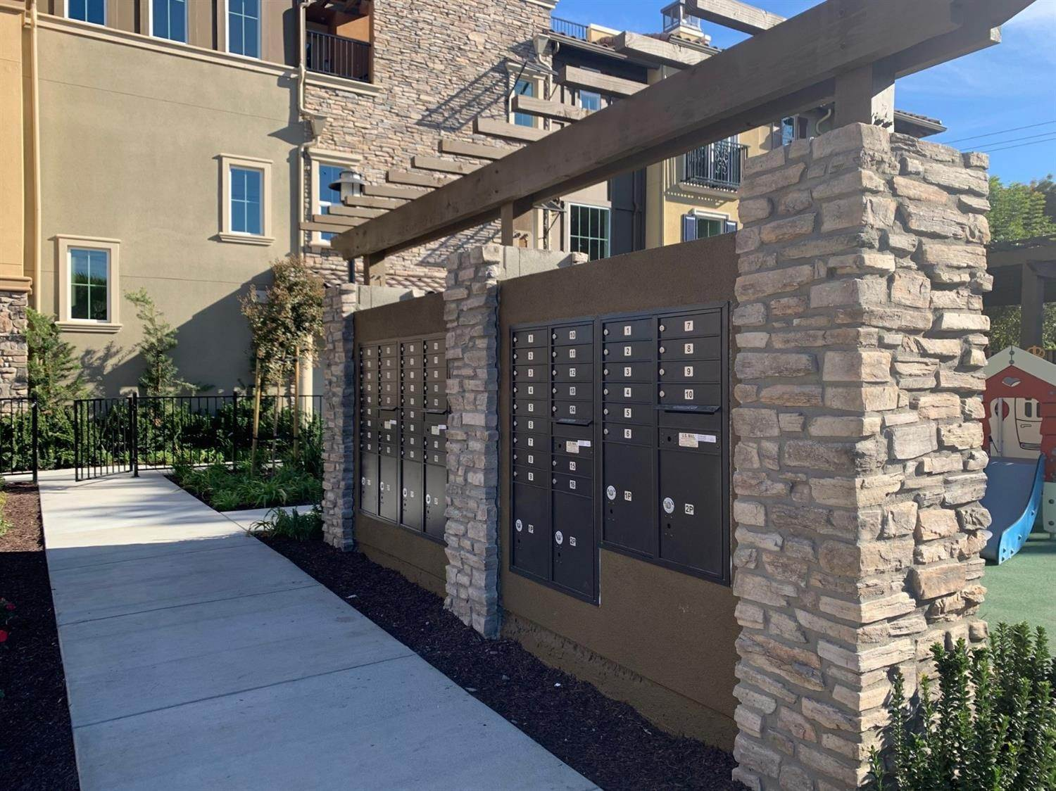 14. Condominiums for Active at 657 Alamo Court Mountain View, California 94043 United States