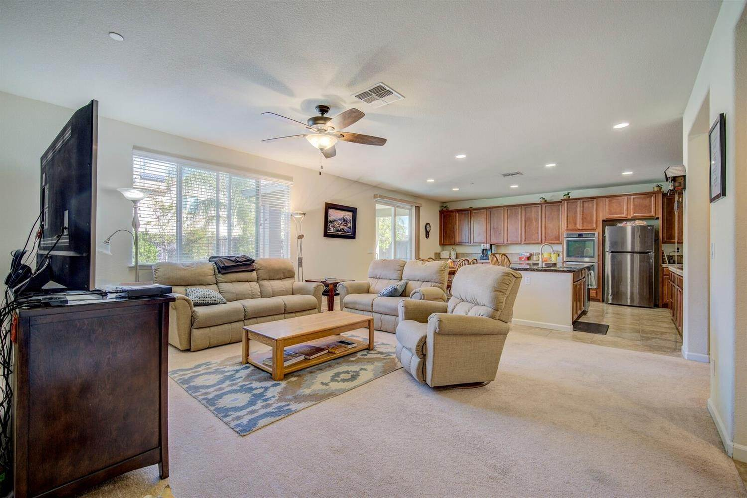 12. Single Family Homes for Active at 1588 Flora Way Lincoln, California 95648 United States