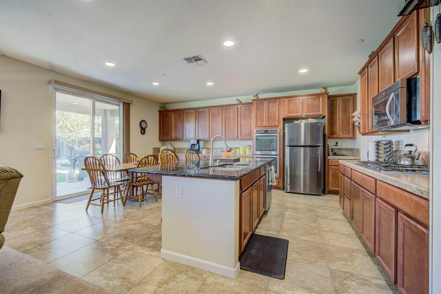 6. Single Family Homes for Active at 1588 Flora Way Lincoln, California 95648 United States