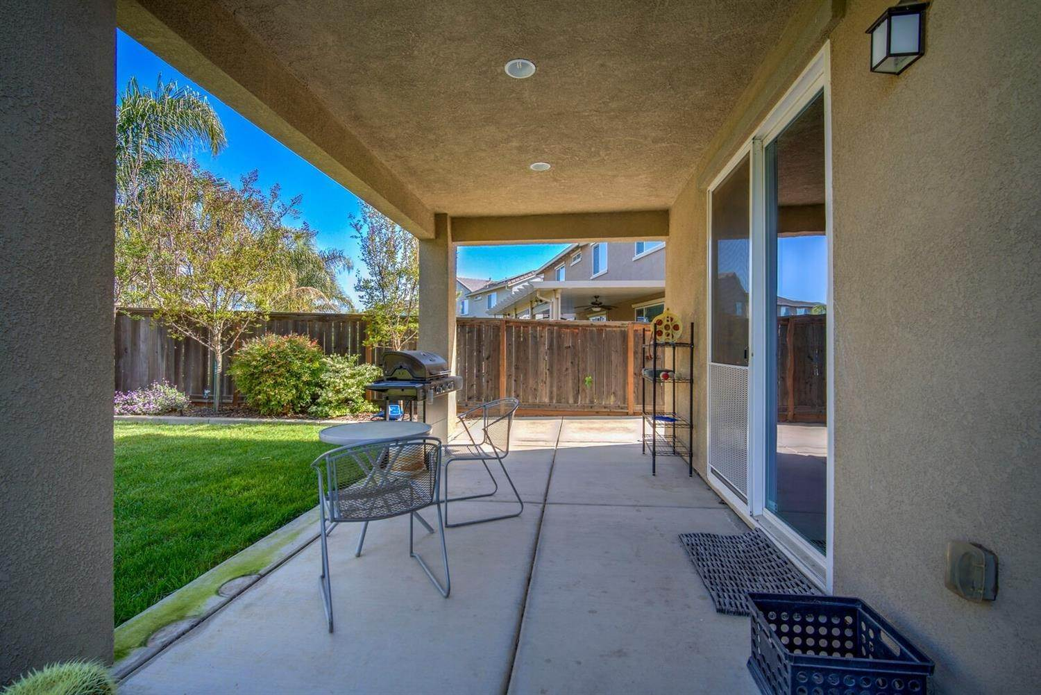 22. Single Family Homes for Active at 1588 Flora Way Lincoln, California 95648 United States