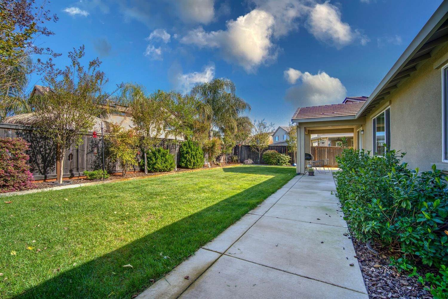 23. Single Family Homes for Active at 1588 Flora Way Lincoln, California 95648 United States