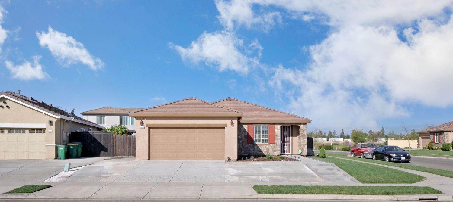 4. Single Family Homes for Active at 10647 Albert Drive Stockton, California 95209 United States