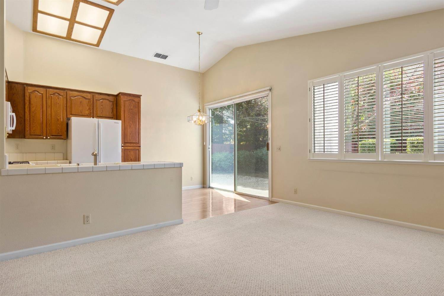 14. Single Family Homes for Active at 1127 Newmark Way Folsom, California 95630 United States