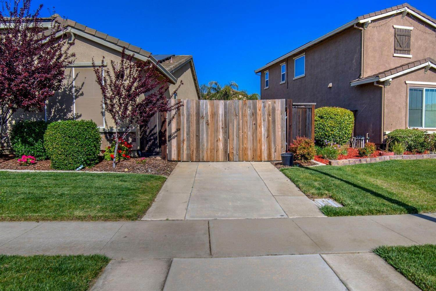 24. Single Family Homes for Active at 1588 Flora Way Lincoln, California 95648 United States