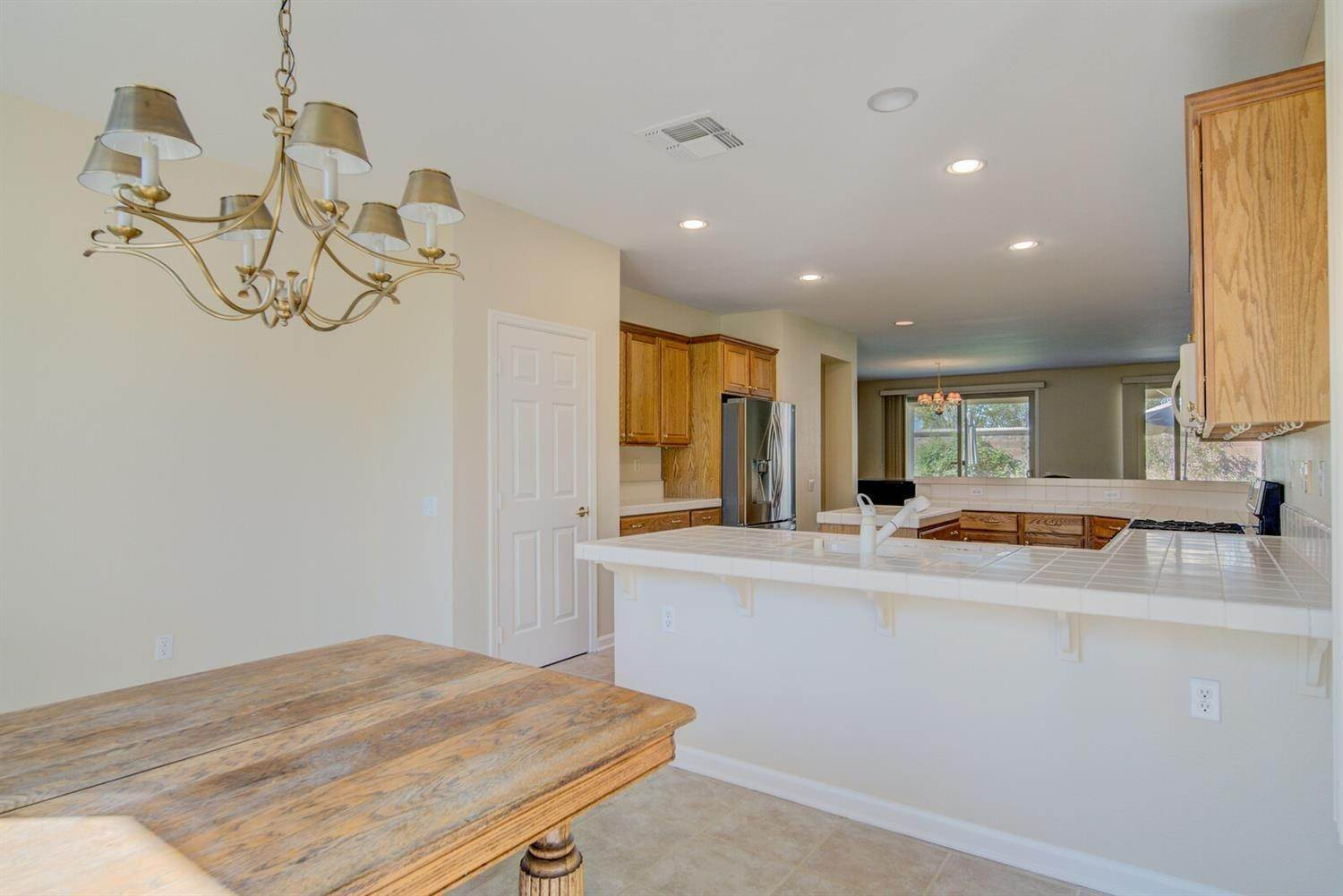 13. Single Family Homes for Active at 998 Gold Nugget Circle Lincoln, California 95648 United States